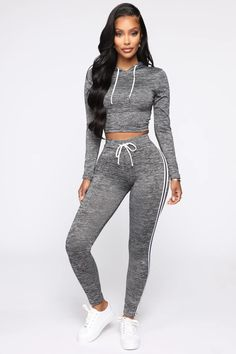 Sporty Outfits, Cute Casual Outfits, Girl Outfits, Athletic Outfits, Swag Outfits, Grey Leggings Outfit, Comfy Outfit, Sweatpants Outfit, Girls Fashion Clothes