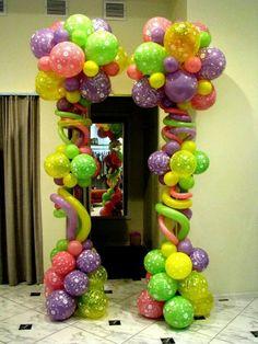 Balloon Topiary Column