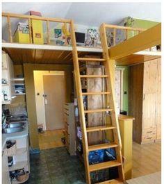 Do sprzedania 1 pokojowe mieszkanie o metrażu 38m , zlokalizowane na os. BOhaterów Września , ładne, słoneczne mieszkanie, z oknami na wschód, oryginalnie zaprojektowane i urządzone -do zamieszkania bez nakładów. Idealne dla pary, młodego małżeństwa z małymi dziećmi. Mieszkanie składa się z przedpokoju, dużej łazienki, pokoju z półotwartą kuchnią i balkonu. Wysokość 3,40m została wykorzystana przez antresolę o wymiarach 220x330cm, gdzie można urządzić sypialnię lub kącik dla dzieci. Podłoga… Bedroom, Furniture, Home Decor, Decoration Home, Room Decor, Bedrooms, Home Furnishings, Home Interior Design, Dorm Room