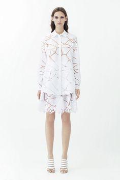 Christopher Kane Resort 2014 Fashion Show Christopher Kane, Love Fashion, Runway Fashion, Fashion Show, Fashion Design, Urban Fashion, Trends Magazine, Minimal Outfit, Monochrom