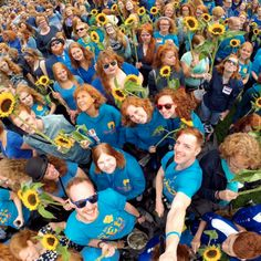 Redhead Days Theme color bleu an Van Gogh's sunflowers. New record gingers in a picture, it's awesome standing in a sea of gingerness! Redhead Day, Van Gogh Sunflowers, Redheads, Cool Kids, Pictures, Color, Sea, Awesome, People