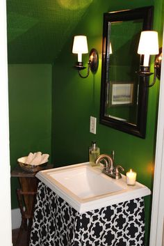 I want to do my bathroom in green, I like the idea of the green walls.
