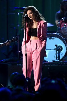 Lorde Wears a Bubblegum Pink Vionnet Suit at the Rock and Roll Hall of Fame…