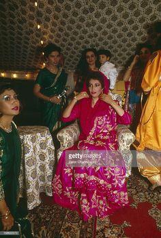 Historical photo of Mohtrama Benazir Bhutto wedding time in Karachi Pakistan Politics, History Of Pakistan, Pakistan Map, Pakistan Travel, Pakistan Army, Simple Pakistani Dresses, Pakistani Culture, Bollywood Cinema, Pakistani Actress