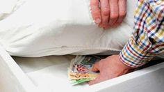 En Arxikos Politis: Περισσότερα από 36 δισ. ευρώ κρατούν οι Έλληνες στ...