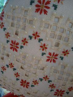 Flores no Jardim - Lee Albrecht: Hardanger Sewing Pants, Hardanger Embroidery, Ribbon Work, Bargello, Needful Things, Needlework, Decoupage, Cross Stitch, Merry