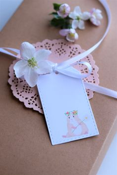 Guinea pig gift tags Pig Drawing, Cute Guinea Pigs, Gift Tags, Gift Wrapping, Drawings, Flowers, Photography, Gift Wrapping Paper, Sketch