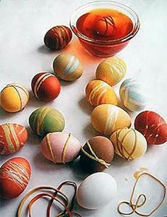 5 DIY Easter eggs for young and old Easter Egg Dye, Easter Party, Easter Bunny, Easter Crafts, Crafts For Kids, Egg Tree, Diy Ostern, Egg Decorating, Happy Easter