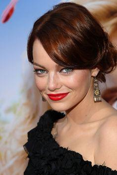 Los mejores looks de beauty de Emma Stone: fragancia