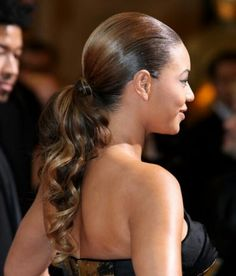 Beyonce Knowles, the sexy and perfect goddess in the world, leads the trend all the way. Today, let's take a good look at Beyonce's top 23 hairstyles and you may get yourself inspired. Curly Hair Ponytail, Black Ponytail Hairstyles, Weave Ponytail, 2015 Hairstyles, Wedding Hairstyles, Beyonce Hairstyles, Side Hairstyles, Braided Hairstyles, Cute Ponytails