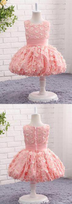 In Stock Fancy Tulle Scoop Neckline Ball Gown Flower Girl Dresses With Handmade Flowers