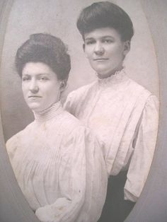"""Cabinet Card of sisters, Minnie and Virgie Sutton, c1910 """"Gibson Girl"""" Hair 