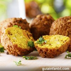 Instant Pot Falafel - This is the most delicious and tasty chickpeas dumplings to your snack time cravings. Instant Pot Falafel can chickpeas (rinsed and tbsp tahini cup flat-leaf parsley leavesstem cup fresh cilantro leaves, stems … Side Recipes, Whole Food Recipes, Vegan Recipes, Cooking Recipes, Falafels, Baked Falafel, Whole Foods, Lebanese Recipes, Canned Chickpeas