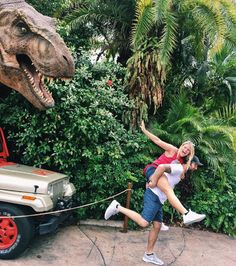 Get creative with this fun photo-op in Jurassic Park at Universal's Islands of Adventure Adventure Couple, Adventure Photos, Adventure Travel, Parque Universal, Orlando Florida, Island Of Adventure Orlando, Beto Carrero World, Disney Parque, Disney World Pictures
