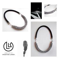Krisztina Lango fekete-fehér nyaklánc