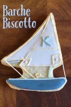 Divertenti biscotti a forma di Barca a Vela decorati con la Ghiaccia reale