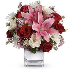Raritan Florist - Order flowers online from your florist in Raritan NJ. Angelone's Florist offers fresh flowers and hand flower delivery right to your door in Raritan. Love Flowers, Fresh Flowers, Wedding Flowers, Wedding Bouquets, Beautiful Flowers, Diy Halloween, Interior Art Nouveau, Flowers For Valentines Day, Valentine Ideas