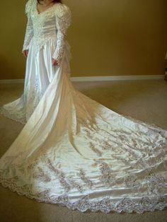 Private Label G Wedding Gown White Med 6-8 Sequin Pearl Bead Heart Long Sleeve