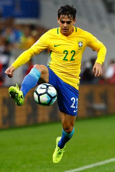 Fagner of Brazil controls the ball during a match between Brazil and Paraguay as part of 2018 FIFA World Cup Russia Qualifier at Arena Corinthians on March 28, 2017 in Sao Paulo, Brazil.