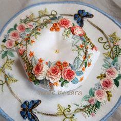 #embroiderydesign #pincushion #biscornu #needlework #nakış #핀쿠션 #비스꼬뉘 #꽃자수 #프랑스자수