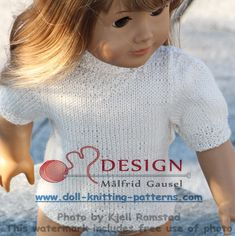 Then I knitted a littleshort-sleeved blouse in white. In addition, this blouse has double moss sts edges. It is opened along the center back and buttoned at the top of the opening. Girl Doll Clothes, Doll Clothes Patterns, Clothing Patterns, Blouse Patterns, Knitting Patterns, American Girl Accessories, Summer Special, Knitted Dolls, 18 Inch Doll