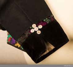 Museum, Belt, Accessories, Fashion, Belts, Moda, Waist Belts, Fashion Styles, Fashion Illustrations
