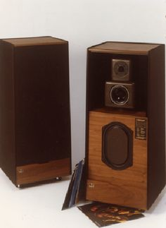 KEF Electronics, Ltd., was the first loudspeaker company to use computer aided design. The KEF RAM400 had a bextrene cone woofer, rubberized silk tweeter, and the unorthodox B139 oval (racetrack) woofer. Truly one of the finest  speakers ever made, its solid, powerful, razor-sharp bass performance has to be heard (and felt) to be believed. Its airy stereo imaging made it disappear into the room. It also was a time-aligned speaker, following the idea first shown by the Dahlquist DQ-10.