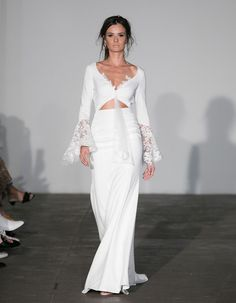 "This display of ""I Do"" fashion created a scene straight out of any wedding-lover's dream as designers pushed boundaries in these bridal fashion week trends. 2018 Wedding Dresses Trends, Bridal Dresses, Wedding Gowns, Girls Dresses, Bridesmaid Dresses, Lace Wedding, Fashion Week 2018, Bridal Fashion Week, Bridal Collection"