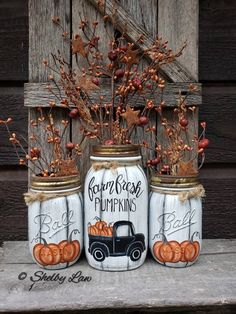 Farm Fresh Pumpkins set of Three hand painted mason jars image 0 Pot Mason Diy, Mason Jar Crafts, Bottle Crafts, Fall Mason Jars, Mason Jar Pumpkin, Halloween Mason Jars, Fall Home Decor, Autumn Home, Diy Autumn