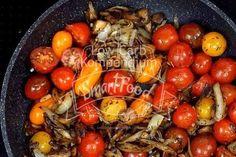 Nun kommen die Tomaten dazu