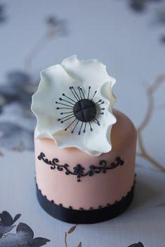 #CakeDecorating
