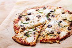 En bild säger mer än tusen ord. Vem kan motstå denna skapelse? En vegopizza fylld med ost och goda smaker på läcker frasig botten.