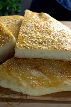 Bread Rolls, Cornbread, Hamburger, Food And Drink, Cheese, Cooking, Ethnic Recipes, Robot, Breads