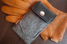 iPhone 5 Sleeve / iPhone 4S Sleeve / iPhone 5 wallet case / iphone 5 case / iphone 5 cover / Nexus 4 - Winter in Oxford. $32.00, via Etsy.