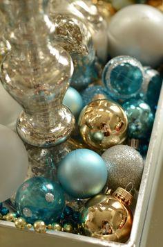 Amanda Carol at Home: A little Christmas Decor