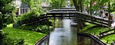 Giethoorn-The-village-Netherlands The bridges are made entirely from wood