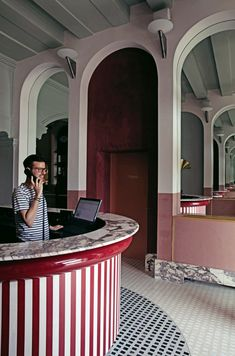 French interior designer Dorothee Meilichzon was inspired by signature design hallmarks of Venice for the interiors of Il Palazzo Experimental hotel. Palazzo, Sacher Wien, Gothic Windows, Hotel Concept, Interior Architecture, Interior Design, Terrazzo Flooring, Villa, French Interior