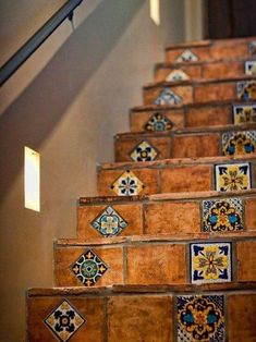 Tiled Staircase, Tile Stairs, Staircase Design, Stairs Vinyl, Staircases, Spanish Style Homes, Spanish House, Hacienda Homes, Small Space Interior Design
