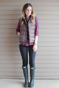 Follow me for more #lovely #women's #fashion at: @oliviabbradley | 40 Cool Outfit Ideas with Puffy Vest - Sortra #outfit