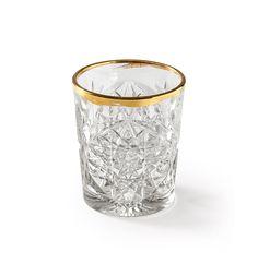 Libbey Signature collectie, de smaak van vernieuwing. Sinds 1818 staat Libbey voor ambacht, design en de kunst van het drinken. Het bedrijf herdefinieerde de markt, en zo de wereld. Hef je glas op het leven! Het Hobstar glas met gouden rand is verkrijgbaar in 2 formaten, set van 2 glazen.