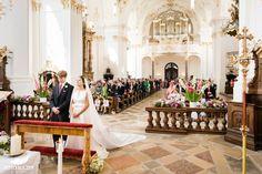 Hochzeit bei Münschen Kloster Scheflarn Bridesmaid Dresses, Wedding Dresses, Fashion, Bridesmaids, Dress Wedding, Engagement, Pictures, Bride Maid Dresses, Bride Gowns