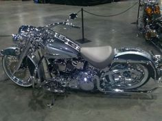 Harley Davidson Softail Deluxe-All Chrome...wowsers! #harleydavidsoncustomsoftail #harleydavidsonroadkinggirls