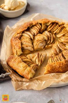Luscious layers of baked apple are nestled in an easy tart pastry for this Apple Galette Recipe! One of the easiest desserts to prepare, this delicious French apple tart makes the perfect Fall dessert recipe and complements any holiday meal beautifully. #SundaySupper #applegalette #frenchpastry #frenchrecipes #pastryrecipes #applepastry #applerecipes #apples #tartrecipes #tart #desserts #easyrecipes #easydesserts #applepie Healthy Apple Desserts, Baked Apple Dessert, Apple Dessert Recipes, Easy To Make Desserts, Easy Pastry Recipes, Tart Recipes, Sweet Dessert Sauces, Apple Tart Recipe, Apple Pie