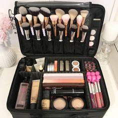 Makeup Storage Ideas For Travel enough Makeup Forever Kuwait so Makeup Bag Kate Spade; Makeup Brushes Png when Makeup Headband Makeup Brush Storage, Makeup Brush Holders, Makeup Organization, Makeup Drawer, Storage Organization, Make Up Kits, Cute Makeup, Beauty Makeup, Soft Makeup