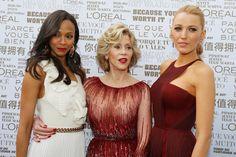 Pin for Later: Le glamour est au rendez-vous au festival de Cannes !  Mercredi, Zoe Saldana, Jane Fonda et Blake Lively ont posé toutes les trois juste avant la cérémonie d'ouverture du festival.