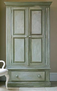 Creating Color Washes with Annie Sloan Chalk Paint. Brocante Home Collection Paintbrush and Pearls: Creating Color Washes Make Chalk Paint, Chalk Paint Colors, Chalk Paint Projects, Milk Paint, Chalk Painting, Painting Tips, Paint Ideas, Chalk Talk, Diy Projects