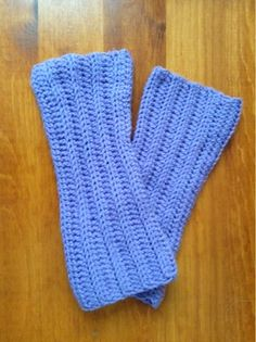Tess and Annie: Easy Ribbed Leg Warmers- Free Crochet pattern