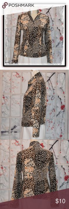 😍Fabulous KIM ROGERS Animal Print Fleece Jacket😍 This fabulous jacket will be your favorite fleece when you want to be comfy but look amazing! It features a full zipper, pockets and piping on the front seams.  It measure 22 inches in length from shoulder seam to hem with 23 inch sleeves and it measures 38 inches at the underarm. She's in excellent like-new condition and generous in size for a PS. What a great find & you will love her❣️ 🌐consigning.fun/7kmat831🌐 Kim Rogers Jackets & Coats