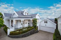 Villa Auckland - love the all white #beautifulhomes