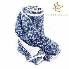 LINDA HERING Beachtowel RANGDA #lindahering #handmade #madewithloveinbaliღ #towelrangda Wax, Towel, Textiles, Instagram Posts, Prints, Handmade, Stuff To Buy, Studio, Hand Made